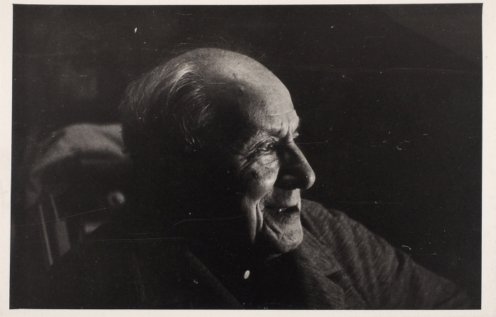 Фотопортрет художника Н.В. Кузьмина/ фото искусствоведа И.Г. Мямлина. [1969].