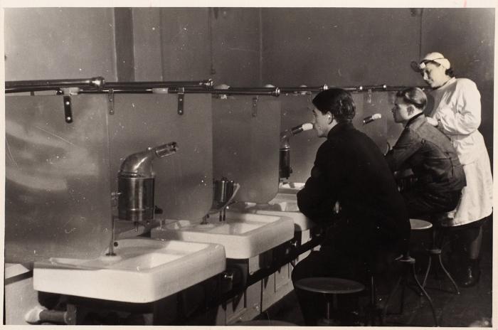 Четыре фотографии изжизни шахтеров Донбасса/ фот. С.Гендельман. Донбасс, 1950, 1953.