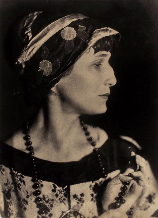 Фотопортрет Анны Ахматовой/ фот. М.Наппельбаум.1921.