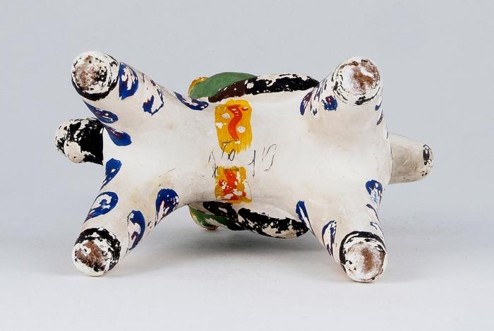 Игрушка глиняная «Всадник». СССР, Дымково. 1930-е. Глина, лепка, роспись. Высота 15см.